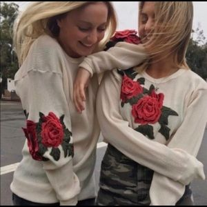 LF Thermal Rose Patch Appliqué Crop Long Sleeve
